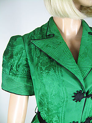 Stunning Vintage Late 30s Silk Jacquard Scenic Asian Dressing Gown